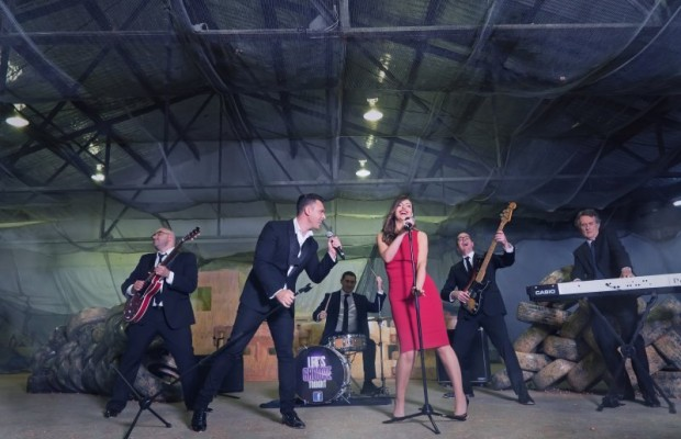Lets Groove Tonight – Entertainment Bureau – Wedding and Corporate Dance Bands.
