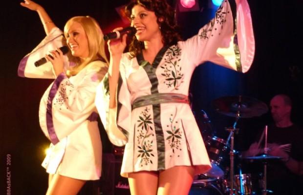 ABBA-Girls-sing-up-a-storm