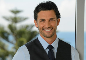 Tim Robards - Entertainment & Celebrity Bureau - Book and Contact TV Personalities