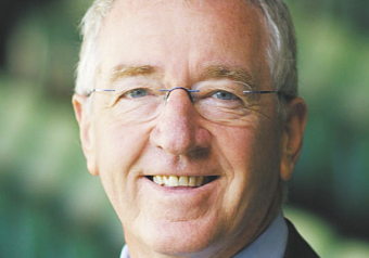 Mike Sheahan - Entertainment Bureau - Book Sports Stars and Tv Personalities